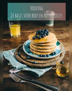 gezonde proteïne pannenkoeken met blauwe bessen
