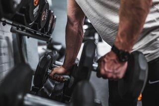 Is het slim om cardio training te gebruiken om vet te verliezen of niet