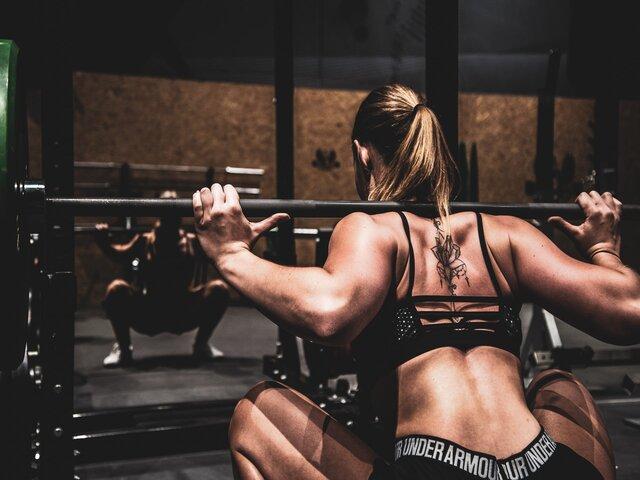 3 redenen waarom je paused squats moet doen Ook voor thuis uitgelicht